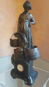 scultura-con-orologio-liberty-jpeg