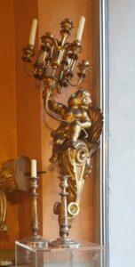 Candeliere dorato-jpeg