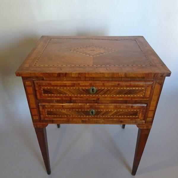 Tavolino da lavoro lombardo fine secolo XVIII-2