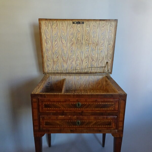 Tavolino da lavoro lombardo fine secolo XVIII-3