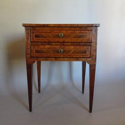 Tavolino da lavoro lombardo fine secolo XVIII