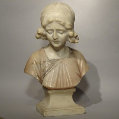 Busto in marmo fanciulla inizio XIX sec