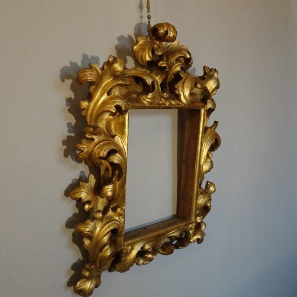 Cornice emiliana in legno dorato-2