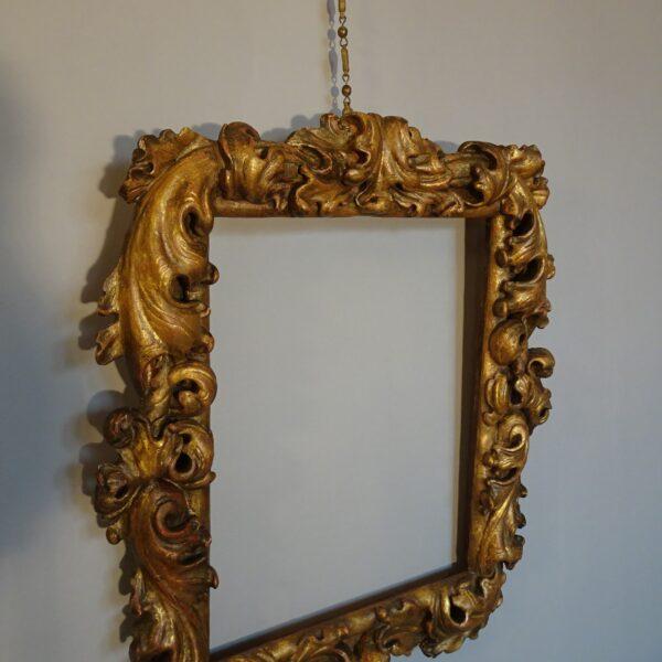 Cornice in legno dorato XVIII secolo-2