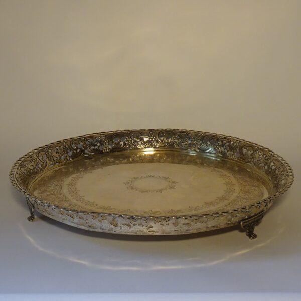 Vassoio in argento metà XIX secolo-1