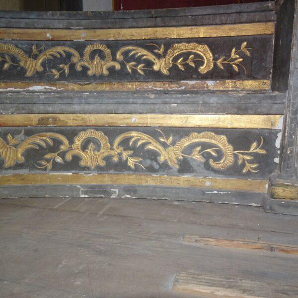Altare in legno laccato e dorato XVIII secolo-2