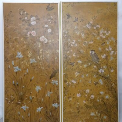 Coppia di pannelli in carta dipinti XVIII secolo