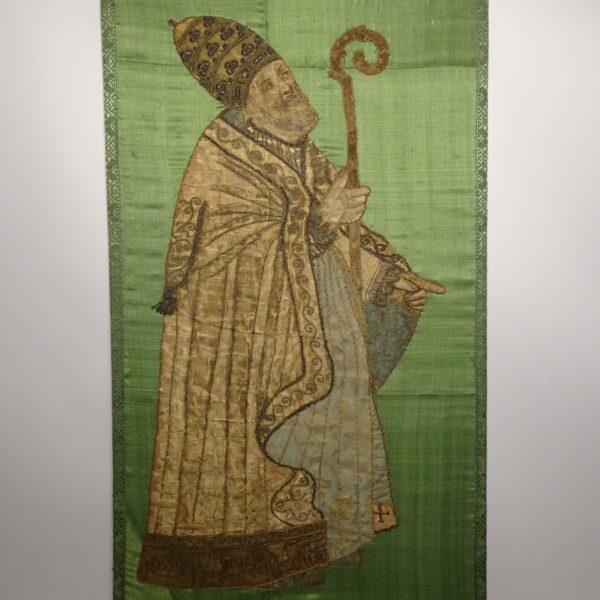 Ricamo su seta raffigurante Vescovo XVIII secolo-1