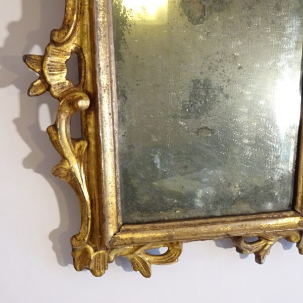 Specchierina in legno dorato XVIII secolo-2