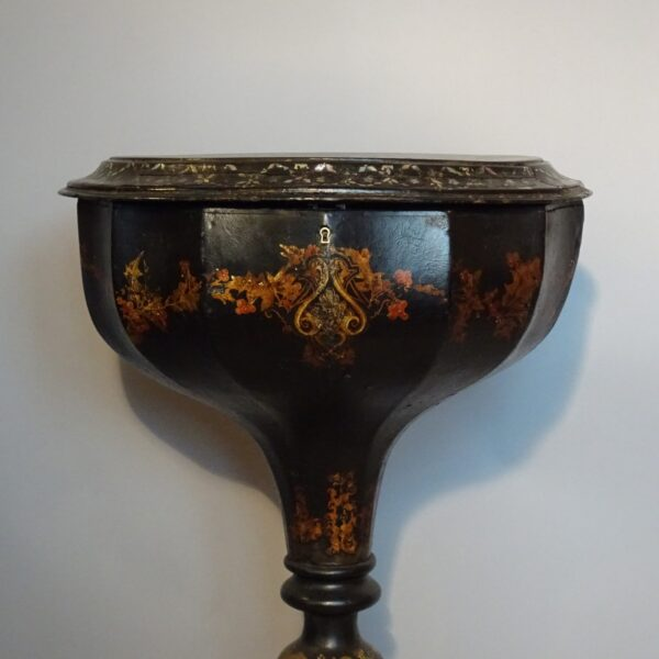 Tavolino in papier machè XIX secolo-1