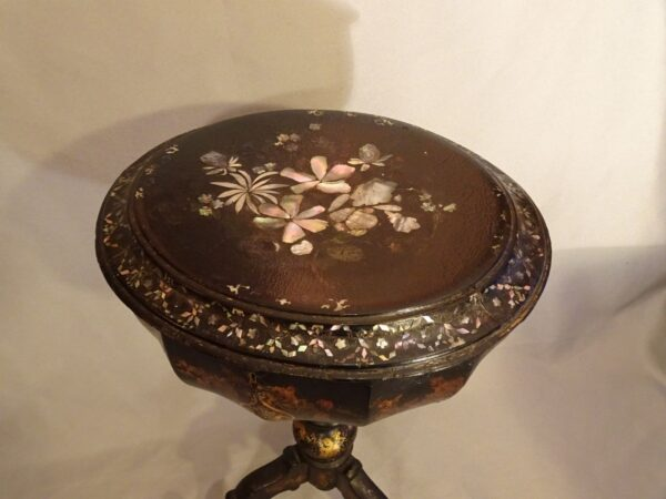 Tavolino in papier machè XIX secolo-2